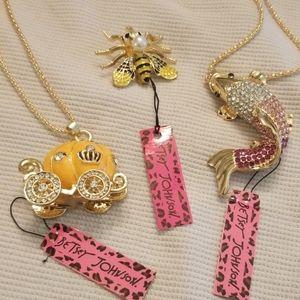 Lot of 3 Betsey Johnson fashion Jewelry